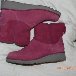 Women's Ugg Pinkish Purplish Slip On Ankle Boots
